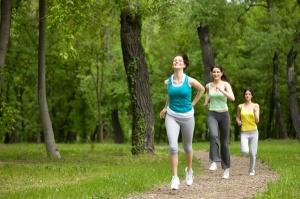 friends-jogging-summer